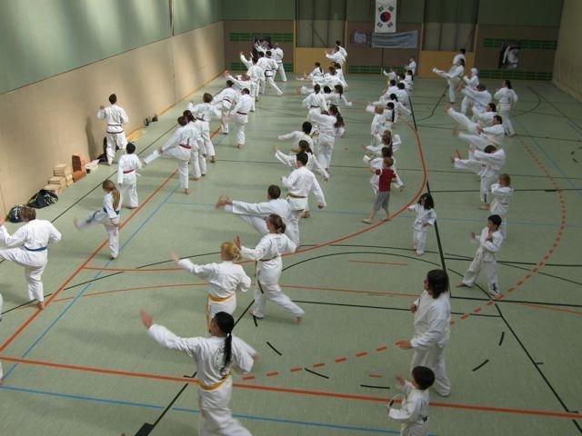 Bild zu Großlehrgang in Niederösterreich mit Vorführungen in Perchtoldsdorf