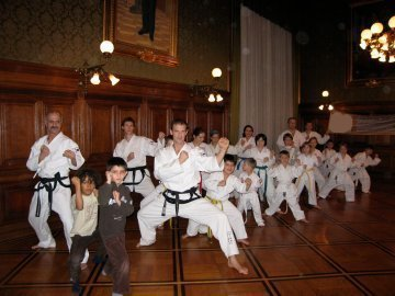 Bild zu Taekwondo beim Rambazamba im Rathaus