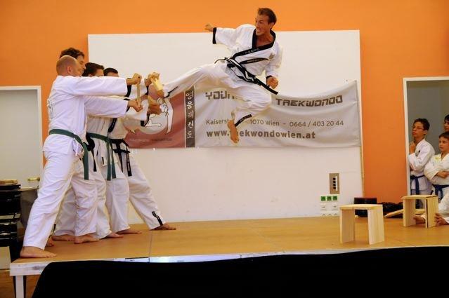 Bild zu Benefizgala zum 5jährigen Jubiläum der YOUNG-UNG TAEKWONDO Schule