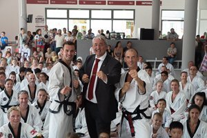 BIG YU Kinderfitness Kampfsport YOUNG-UNG Taekwondo Wagramer Straße 147