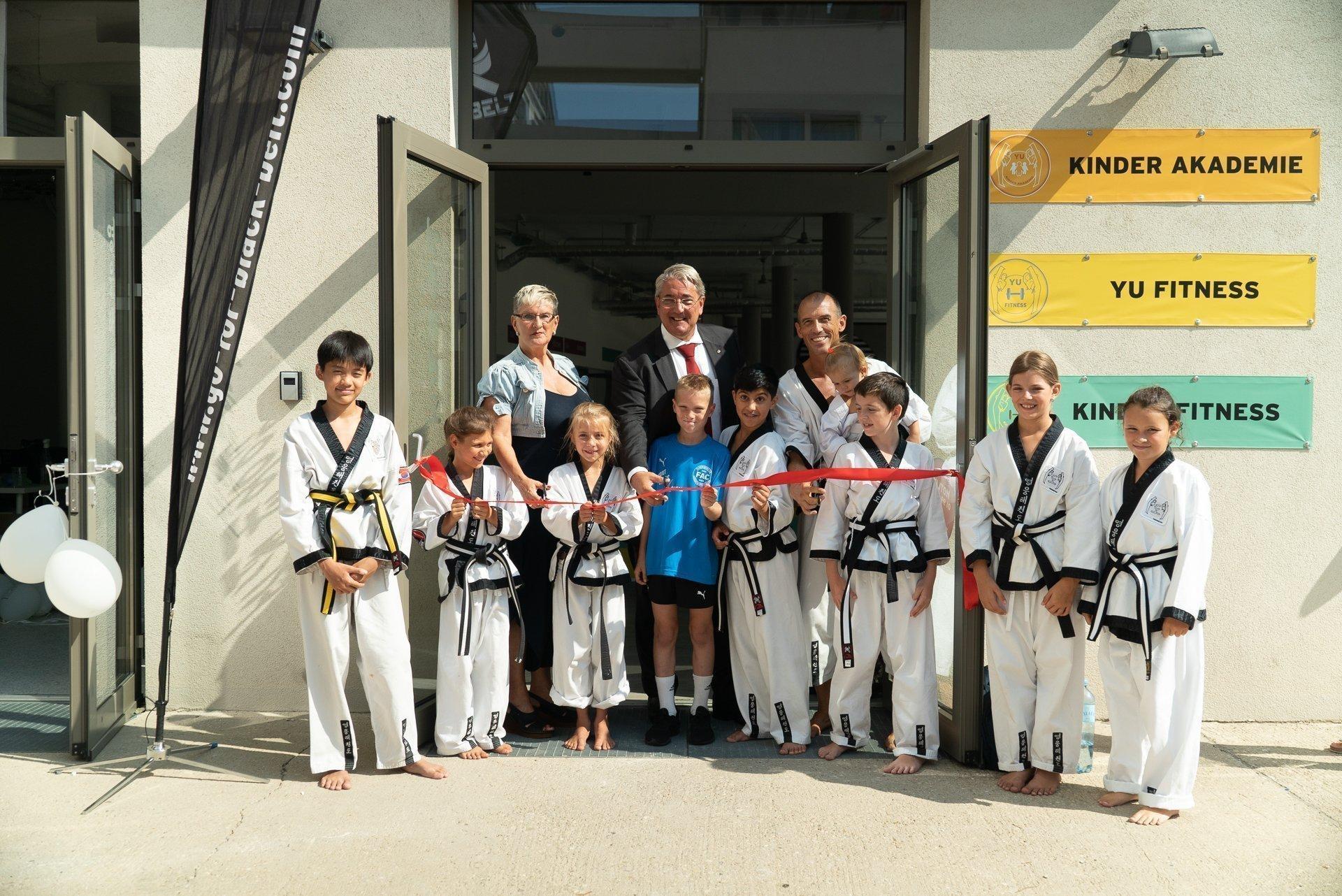 YOUNG-UNG Taekwondo BIG YU Kinderfitness Kampfsport Wagramer Straße