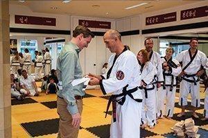 YOUNG-UNG Taekwondo Klosterneuburg Eröffnung Stadtrat Christoph Kaufmann