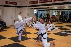 YOUNG-UNG Taekwondo Klosterneuburg Eröffnung Weidlingerstrasse Stadtrat Christoph Kaufmann